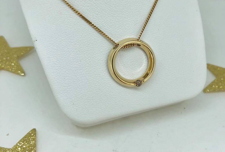 Gold Necklace with Circle