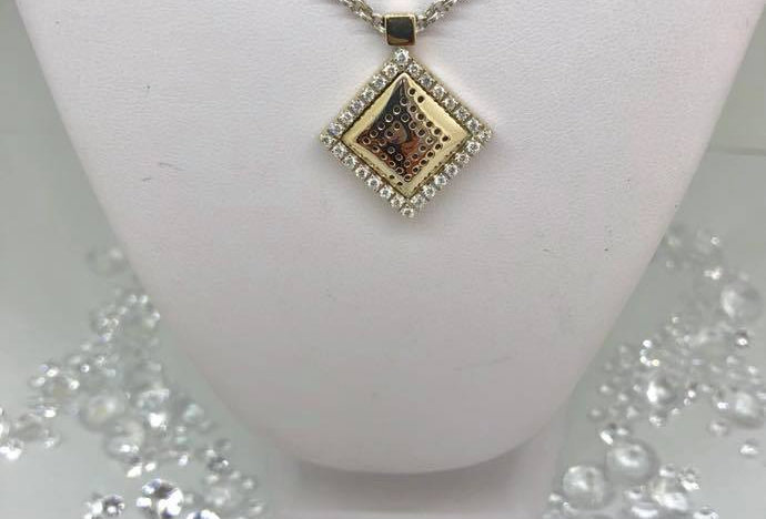 Gold Necklace with Diamond Feature