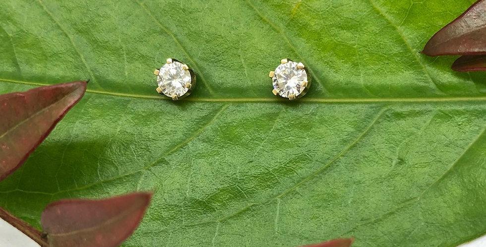 18ct Yellow Gold Diamond Stud Earrings