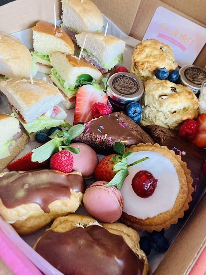 Afternoon tea for two people