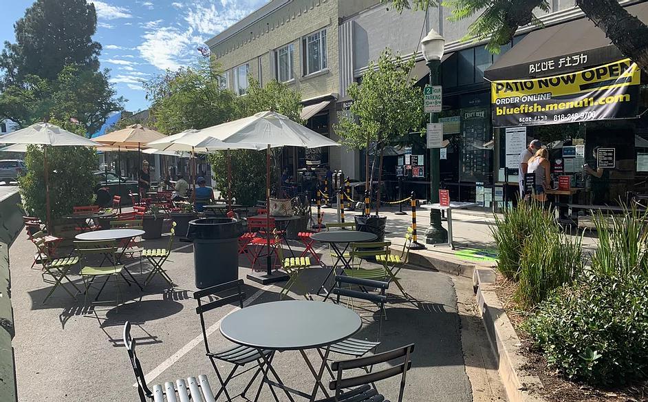 "Glendale's ""Blue Fish Montrose"" parklet, located on Honolulu Avenue."