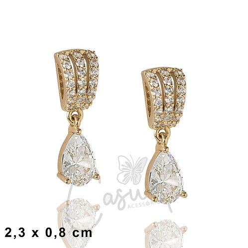 Drop earring with triple stones