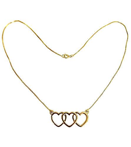 Gargantilha com três corações e corrente veneziana x 45cm
