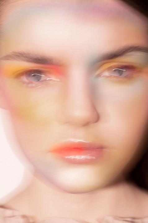 Maquillaje abstracto - Clara Esmoris