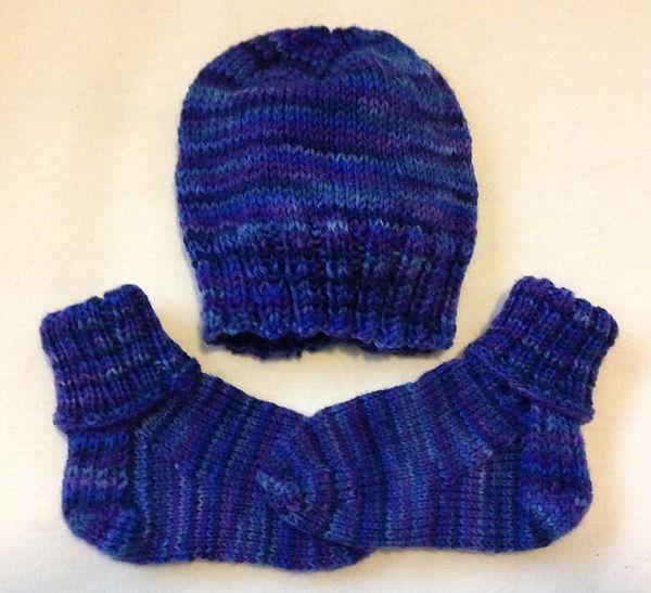 Blue Baby Hat_Socks.JPG