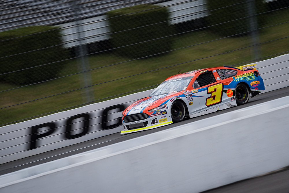 Willie Mullins races down the frontstretch at Pocono Raceway on Friday afternoon. (Daylon Barr Photo)