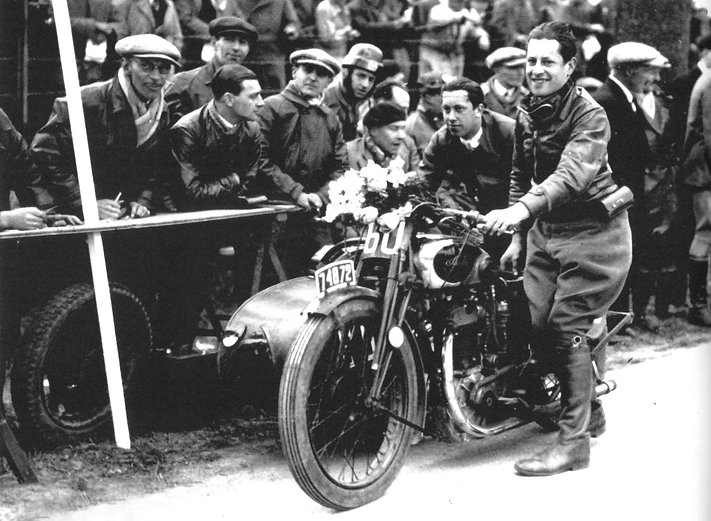 Biribi victorious at theGrandPrixDefoin with his30C in 1932