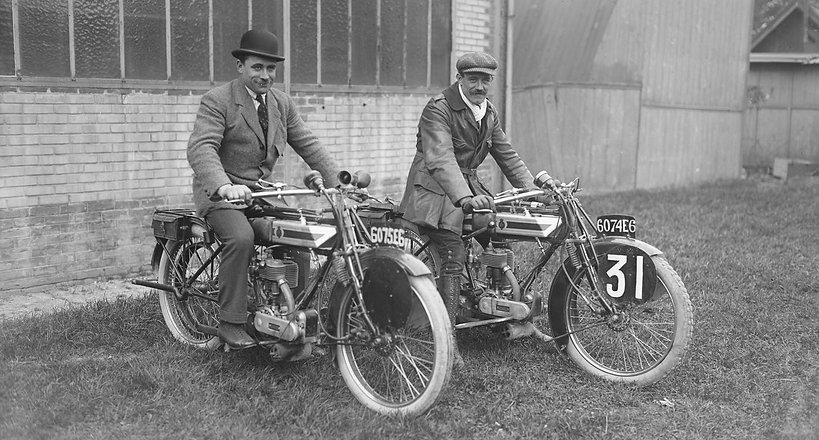 1921, Marly-le-Roi, concours d'endurance de l'Union Motocycliste of France |Duverne and Lefèvre, équipe Saroléa