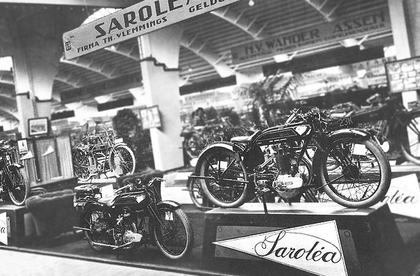Salon de Bruxelles in 1929 on the Saroléa booth, 23H, 23K, 23D, 23E among others