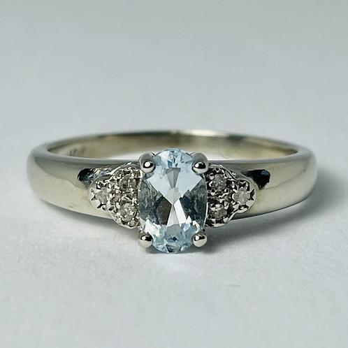 10kt White Gold Aquamarine & Diamond Ring