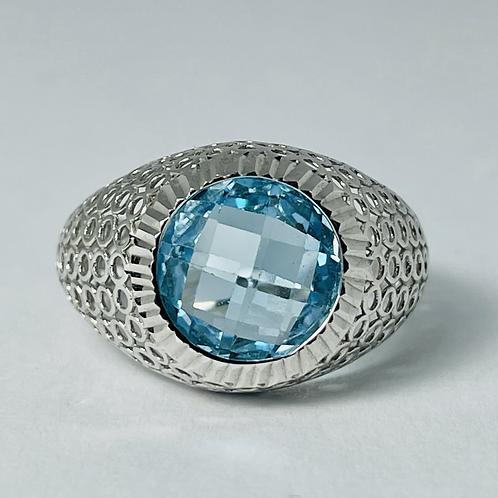 10kt White Gold Blue Topaz Mesh Ring