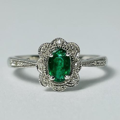 10kt White Gold Emerald & Diamond Ring