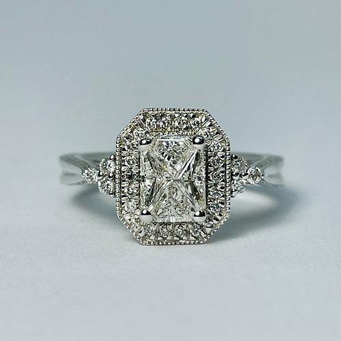 14kt White Gold Vintage 0.80ctw Diamond Engagement Ring