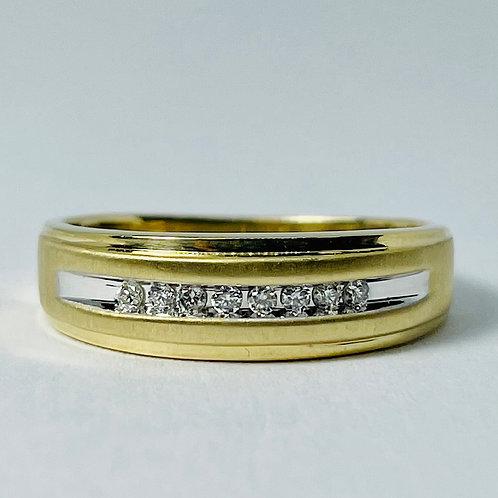 10kt Gold Diamond Band 0.10ctw