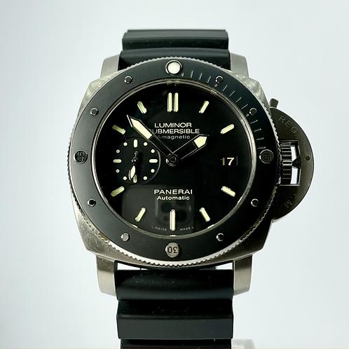 Panerai Luminor Submersible 47mm