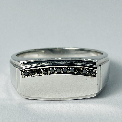 10kt White Gold Black Diamond Signet Ring