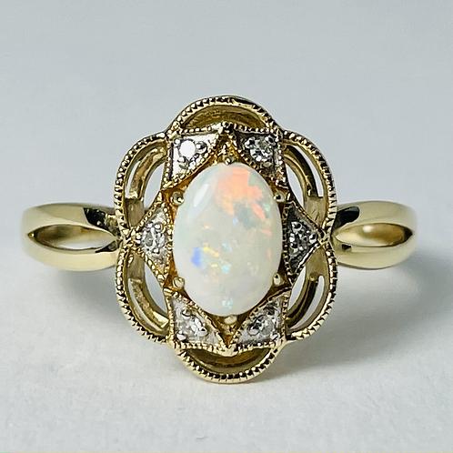 10kt Gold Opal & Diamond Ring