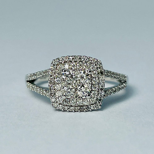 10kt White Gold Diamond Halo Engagement Ring