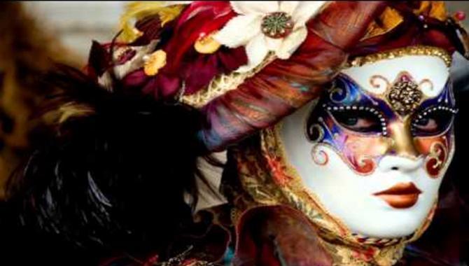 Facebook: ¿una fiesta de máscaras?