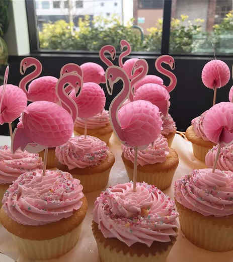 Lemon Flamingo Cupcakes! Happy Birthday