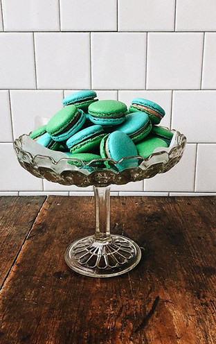 Chocolate ganache filled macarons 💙💚 #