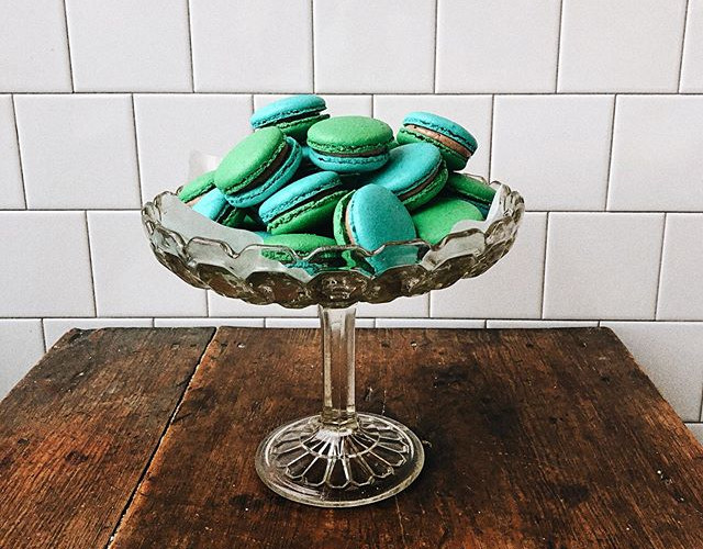 Chocolate ganache filled macarons 💙💚 #