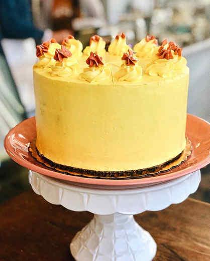 🍋Lemon Cake with lemon curd filling top