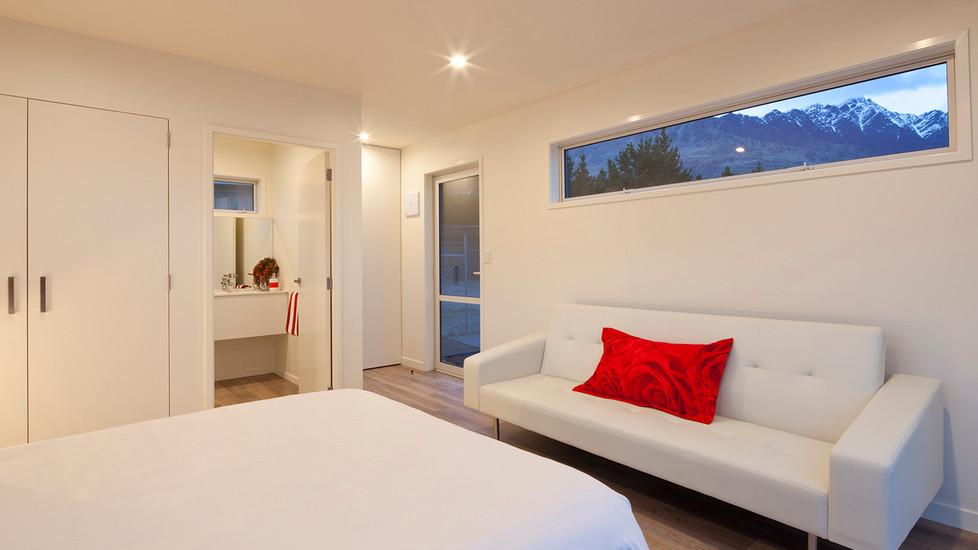 Modbox Peak Studio Bedroom