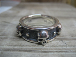 Custom skull band
