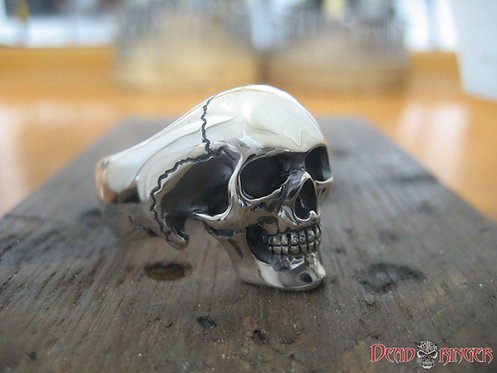 Classic Minima Skull Ring