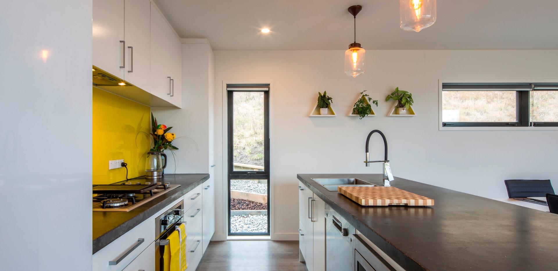 Kitchen standard yellow splashback modbo