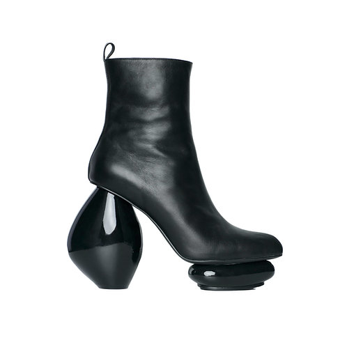 ROSARY Boots in Black