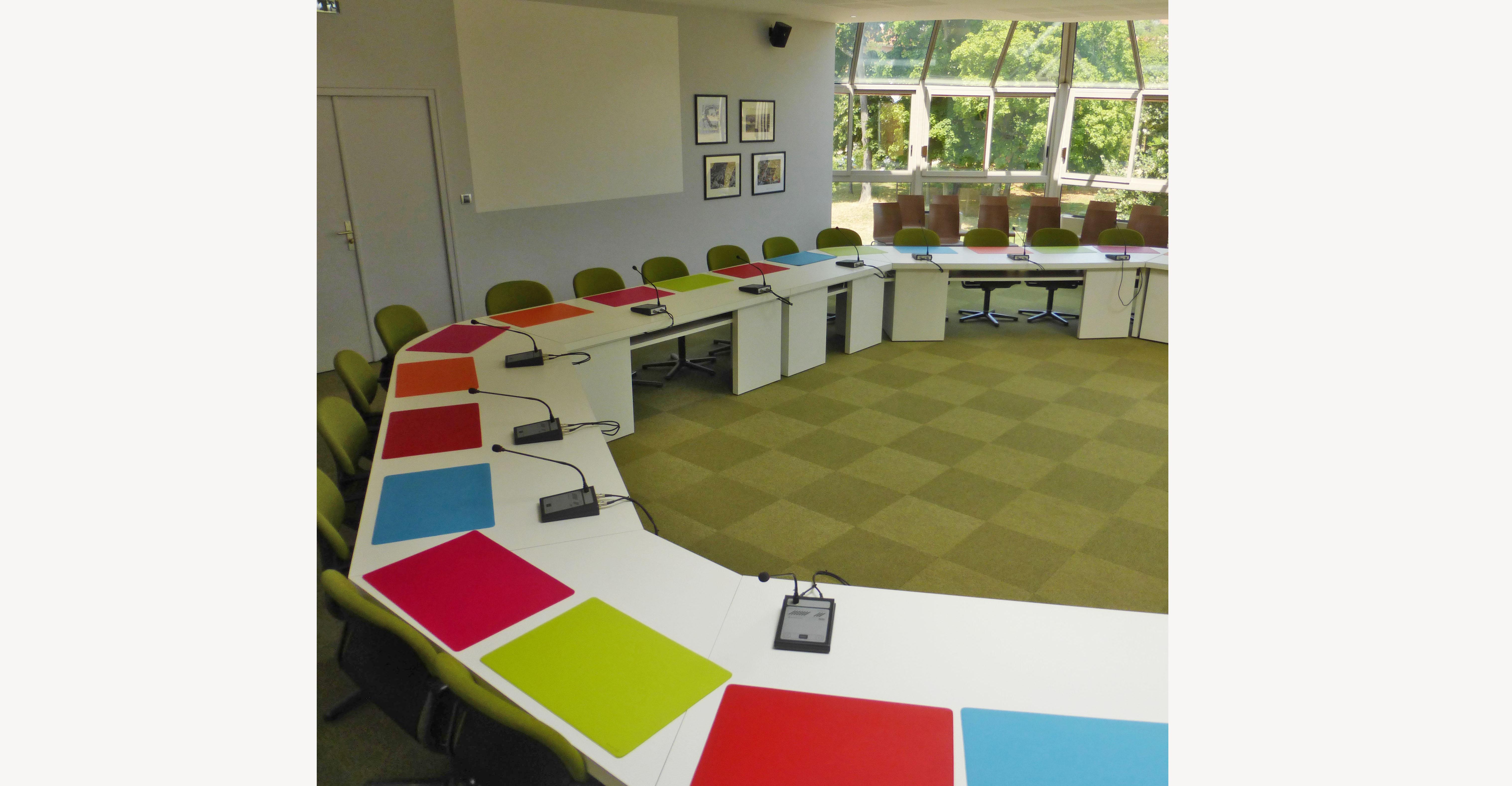 Recherches pour une salle de réunion