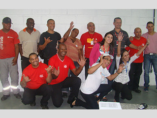 Equipe do Instituto Ester Assumpção realiza palestra com intervenção teatral