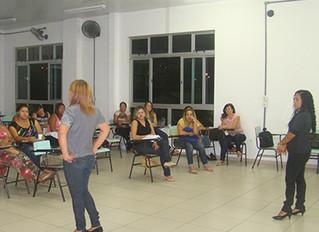 Estudantes e educadoras participam de Oficina de Braille