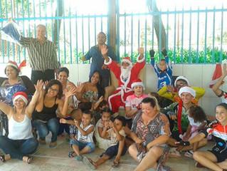 Instituto Ester Assumpção e Pedala Betim arrecadam 240 brinquedos e doam para crianças do CIM Wilma