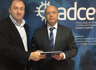 Instituto Ester Assumpção e ADCE assinam convênio de cooperação mútua