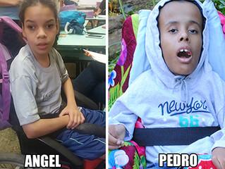 Seja o Papai Noel de Angel e Pedro!