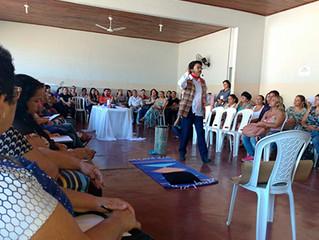 Monólogo e palestra são apresentados para profissionais da Educação