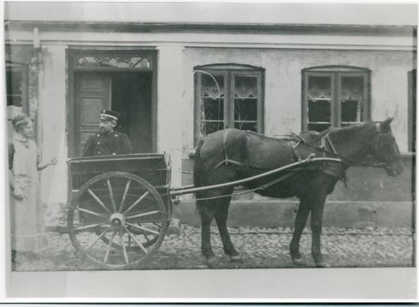 B740 Hestetrukket postvogn