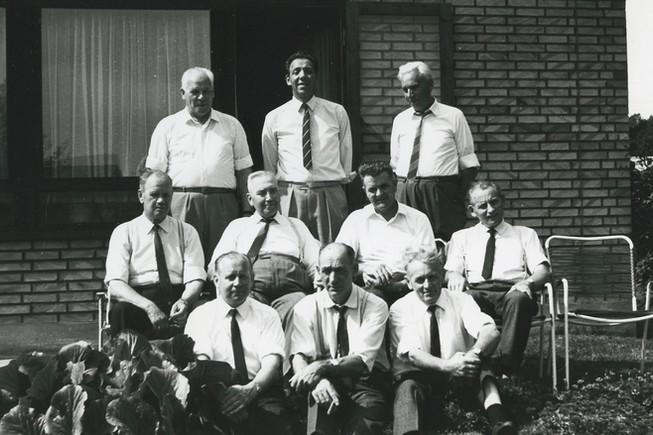 B651 Bording sogneråd, fotograferet ved sognerådsformand Jens Christensens hus, Borgergade. 1966-1970