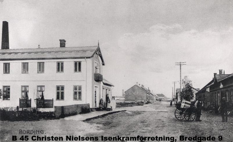 B45 Christen Nielsens Isenkramforretning, Bredgade 9
