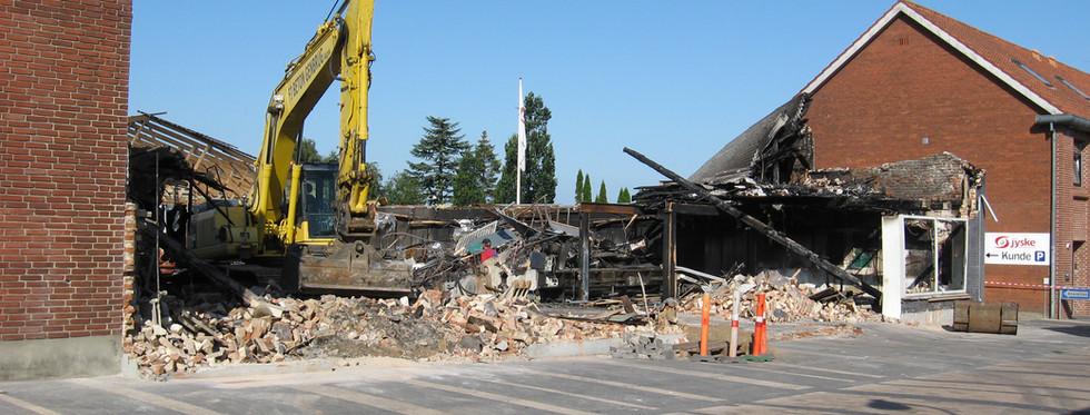 Oprydning efter branden - 26. juli 2011