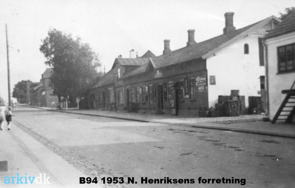 B94 1953 Købmand N. Henriksens forretning