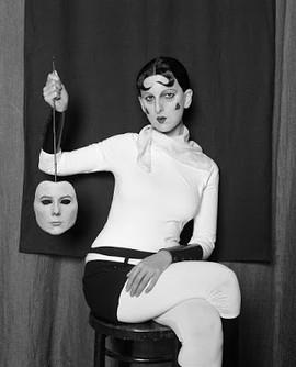 Gillian as Claude