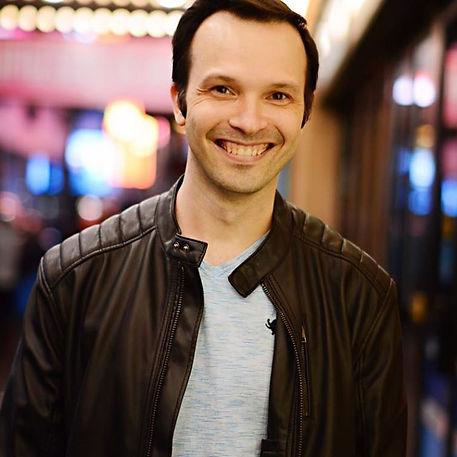 Dan Radzikowski New York City midtown voice teacher and vocal coach online singing