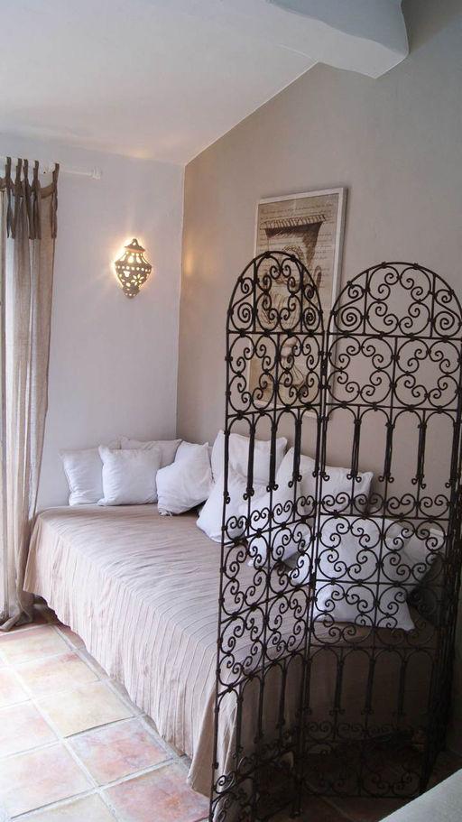 le mas d olivier maison d hote de charme en provence. Black Bedroom Furniture Sets. Home Design Ideas