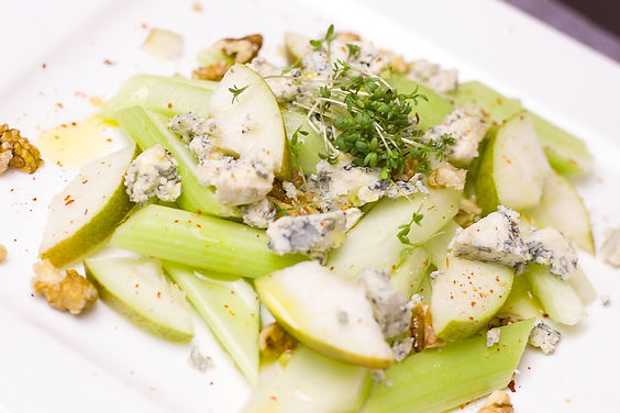 Argentina - Fabian Vitale - Celery, blue cheese and apple saladVirtual Cooking Class
