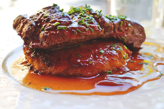 Argentina - Fabian Vitale - Loin or Ribe eye beef with a rich malbec( red wine) sauce and saut� vegetablesVirtual Cooking Class