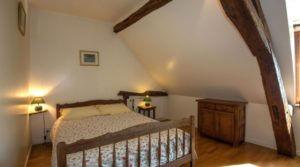 Chambre lit double prés de Beaune